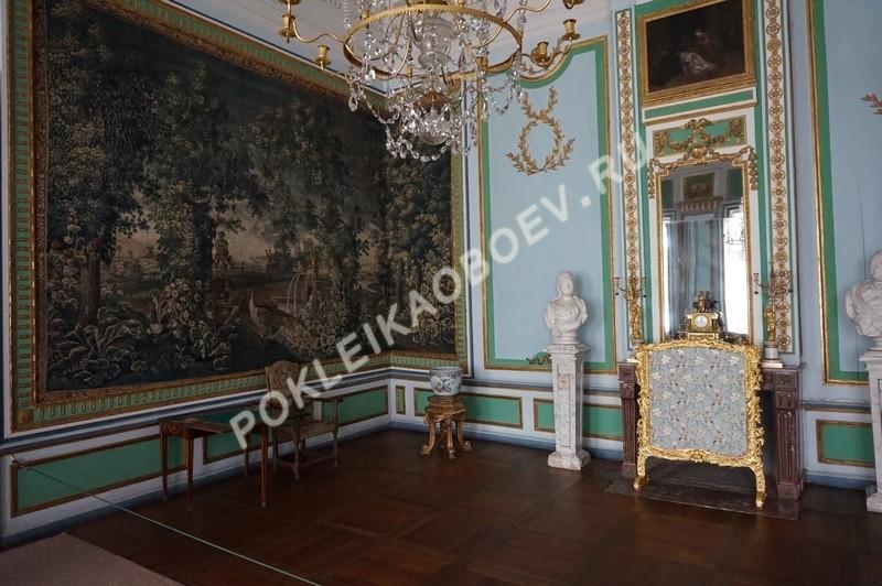 Шпалерная гостиная, оформленная фламандскими шпалерами конца 17-го начала 18-го веков