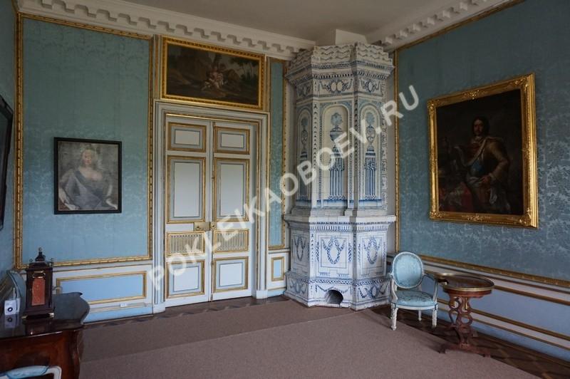 Голубая брокатель - прекрасный экземпляр стенового обития 18-го века