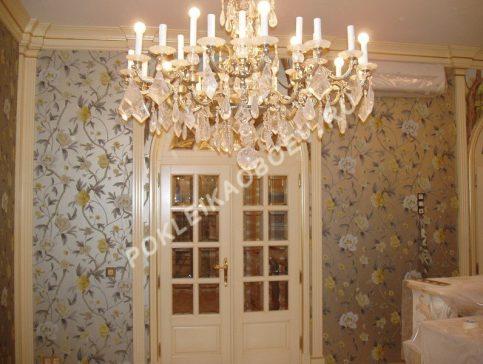 Торжественный стиль в оформлении гостиной